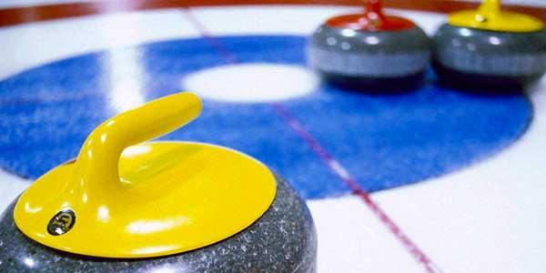 Curling och middag som företagsevent