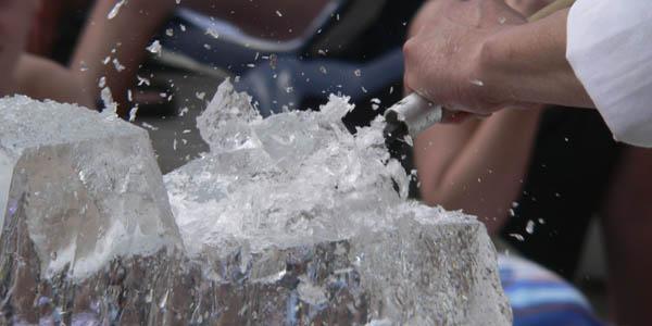 Isskulptering och vintermiddag